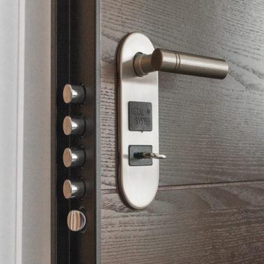 puertas de seguridad bogota